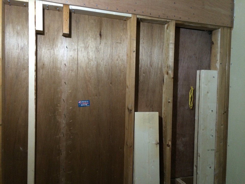 43b5c0e101b3 The new window header and beam were made by sandwiching high grade plywood  with 2x8 s and 2x6 s respectively